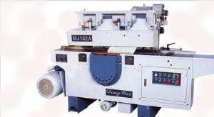 Automatic Multi-Rip Sawing Machine
