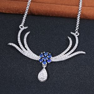 Fine Fashion Long Chain Necklace Holder