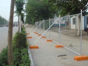 Galvanized and PVC Power Coated Temporary Wire Mesh Fence with Base Feet